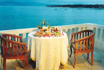 dinning places in lembongan, lembongan island, lembongan activities